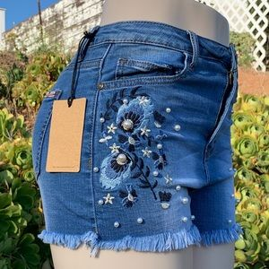 Machine faux pearl embroidered denim shorts NEW!